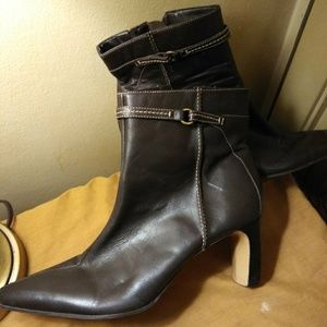 Shoes - Brown SUPER COMFY ankle boots